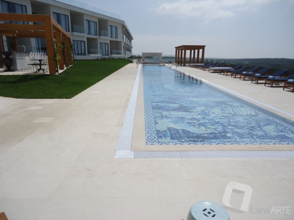 Pool Surround in Moleanos Bushammered